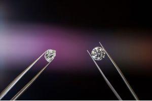 Два уникальных алмаза ювелирного качества добыли в Архангельской области